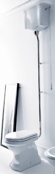 Retro Toilette - hoher Spülkasten